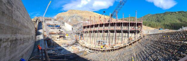 Marathon 100-hour pour on Waimea Dam
